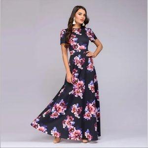 Dresses & Skirts - Women's Elegant Vintage Floral Maxi Dress 12W